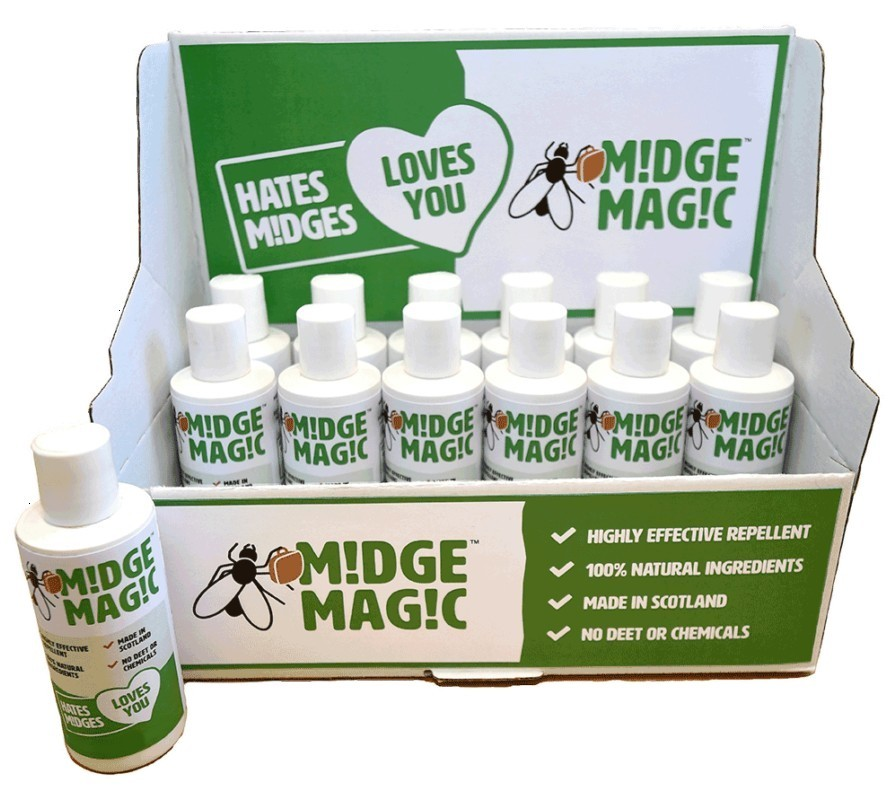 Display case of 12 Natural